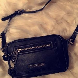 Juicy Couture 100% Leather Crossbody💎